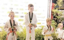 3x goud in Dronten